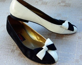 Harlequin 1980's Vintage Black and White Leather Flats with Bows by PROXY size 5.5 M