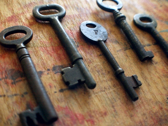 Rustic Antique Skeleton Key Lot / Rare Initial F / Instant Collection Code