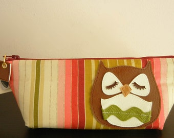 Stewart the Owl Vintage Pink Green Burgundy Stripe Cotton Print Canvas Carry All Case Vinyl Applique