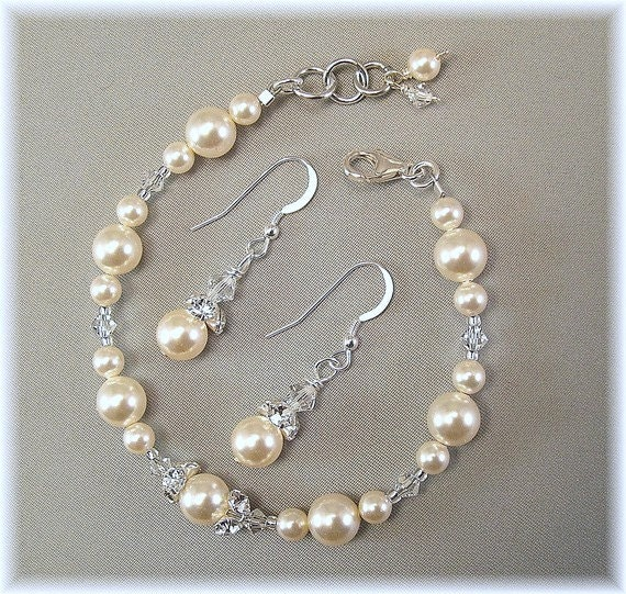 Cream Swarovski Pearl and Crystal Bracelet and Earring Sets, Rhinestone Jewelry, Bridesmaids Bracelet and Earring Sets, Ivory Weddings