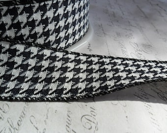 Black and White 1.5 inch Woven Houndstooth Ribbon Trim