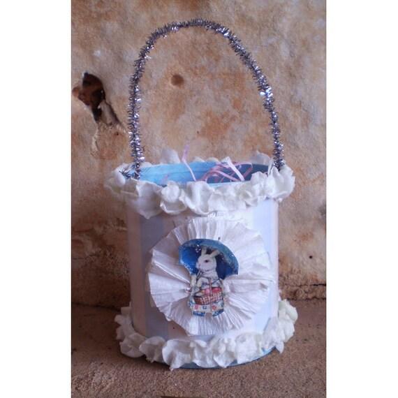 Easter decoration bunny rabbit Oschter Haws retro shabby chic treat basket vintage style home decor
