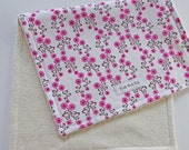 CLOSEOUT SALE - Organic Burp Cloth - Daisy Chain