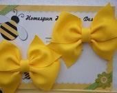 Hair Bow Set..Twin Girl Pigtail Bows..Set of Two Spring Hairbows..Homespun HoneyBee.. Yellow Loopy Pinwheel Pair..Summer Hair Clip