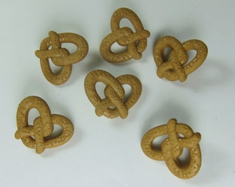 Pretzel Novelty Buttons