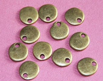 100 pcs of antiqued  brass coin drop 8mm