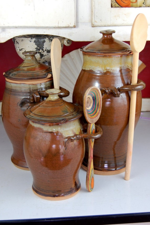 kitchen canister set of three in brownstone made by