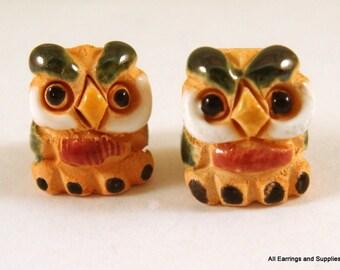 SALE - 2 Owl Beads Animal Bead Hand Painted Glazed Ceramic 14x11mm - 2 pc - 5954