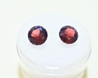 GARNET - TANGA - 7mm Round - Matched - Parcel of 2 Stones - GEM157014