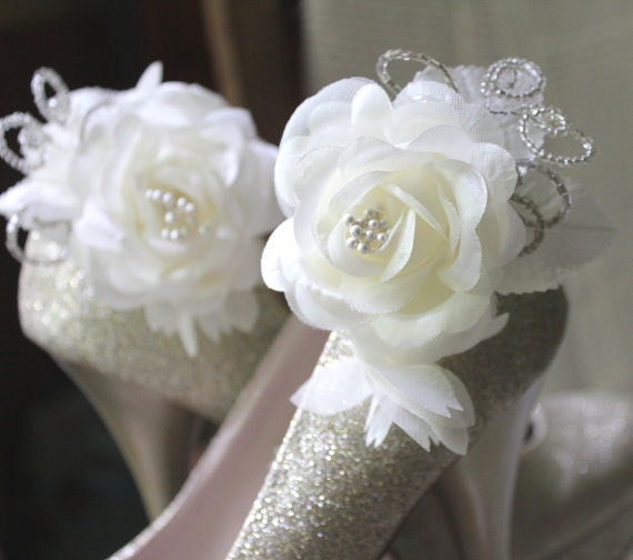 Rosa, Vintage style rose and bead shoe clips