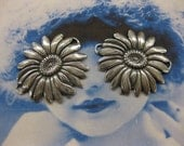 Silver Ox Plated Brass Sunflower Connectors 2175SOX  x2