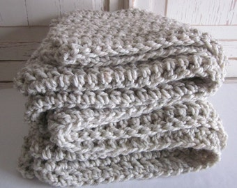 Chunky cozy knit wool throw blanket // Wheat