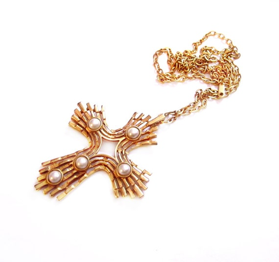 Gold Chain / Pearl Cross Pendant Necklace
