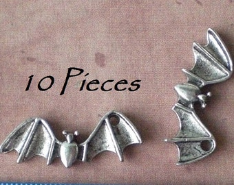10 Flying Bat Open Wings Charm Pendants For Jewelry Making