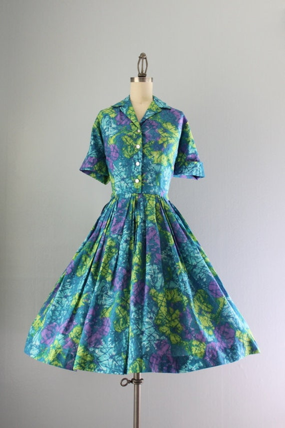 60s Dress / Vintage 1960s Dress / Sixties Bold Shirtwaist Day Dress