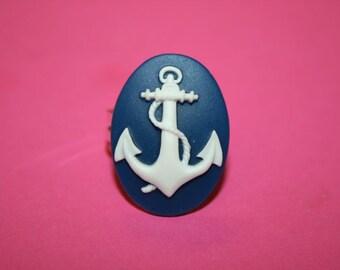 Medium Navy Anchor Cameo Ring