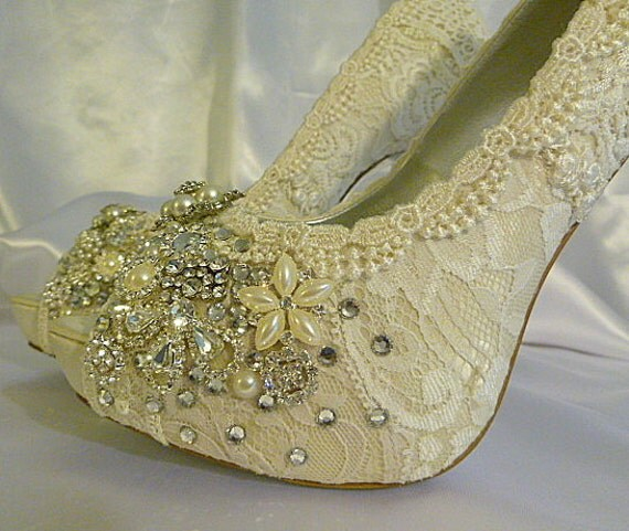 a409003a3607 Vintage Lace Wedding Shoes Bridal High Heels Lacy Bridal low-cost ...