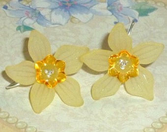 Daffodil Earrings, Spring Daffodil and Sterling Silver Earrings - You Choose Color