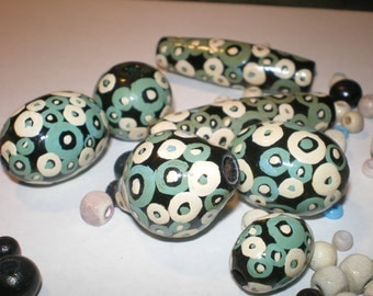 Vintage HAND PAINTED BEADS 8