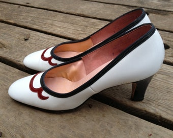 VTG Life Stride Classic Pumps // White and Brown // High Heels // Size 7