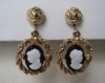 Cameo Black White Earrings Clip Gold Vintage Dangle