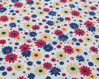 Bright Primary Daisies - Vintage Fabric Mod Flowers 50s 60s  Juvenile Floral Novelty 34 in wide