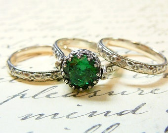 Selene Ring Trio - Vintage Engagement Sterling Silver Trio with a Beautiful 8 mm Emerld Green lab Spinel