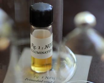 Figure 1: Noir Natural Perfume 1 gram - Patchouli heaven - Nocturnal and Mysterious Nature Fragrance