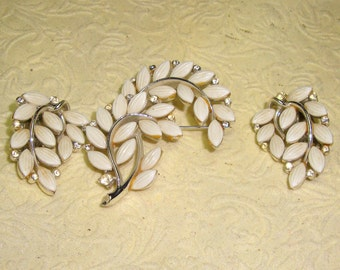 Lisner Brooch and earring set in silver       vintage brooch and earrings signed
