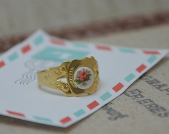 Dainty ring, Gold Ring, Porcelain Flower ring, Vintage Style Ring, Adjustable Ring