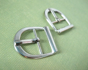 2 Silver Metal Belt D Buckles - Small buckles for shoe, bags or sewing embellishment 29x24mm (BU101)