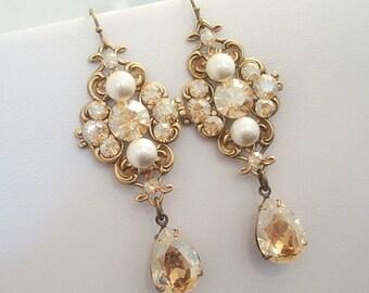 Crystal Bridal earrings, Gold Wedding earrings, Bridal jewelry, Vintage style earrings, Antique gold earrings, Swarovski crystal earrings