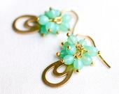 Teardrop Earrings - Vintage raw brass and mint glass beads - drop earrings - gold plated 925 silver hook - bridal jewelry - autumn