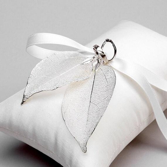 Rustic ring pillow, wedding ring bearer pillow, ring pillow alternative - Real leaves