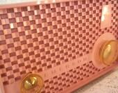 vintage Emerson radio, pink 1958 radio, Emerson 915 Series B, Tube Radio
