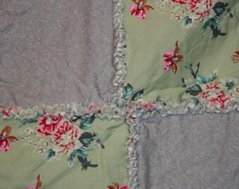 VIntage Garden Modern Rag Quilt