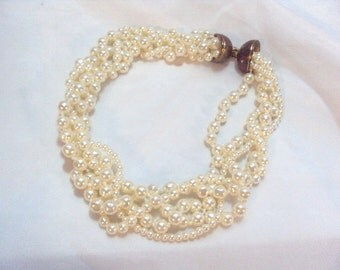Wide Twisted Faux Pearl Vintage Necklace with Unique Clasp