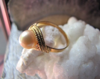 Vintage Art Deco 18Kt Golden Saltwater Pearl Ring - Solitaire Natural 18K Rose Gold Pearl Ring Wedding/Engagement/Anniversary 18K Pearl Ring