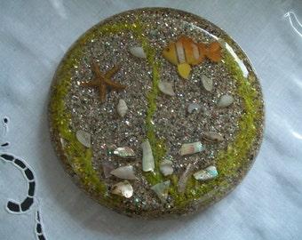 lucite shells sand beach trivet hot plate 1970's Florida Souvenir trivet