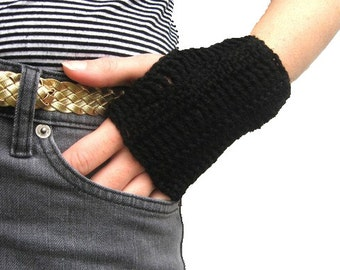 Instant download Crochet Plain Fingerless Mittens Pattern - Men and Women Sizes - Very Fast and Easy - Under 1 hour