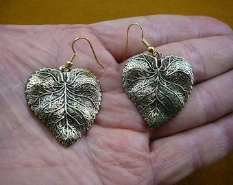 Textured leaf leaves earrings Victorian repro brass earring pair dangle EE-770-8