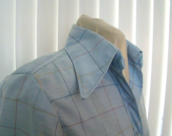 Chambray blue button up shirt with thin plaid lines - size medium
