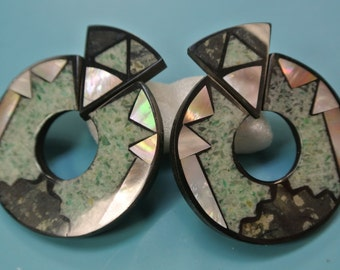 Rare beautiful collectible vintage 1980s unused earrings designed by worldknown Hawaiian designer/artist Lee Sands