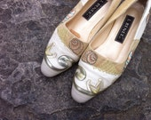 Vintage J. Renee 1990s Flats - Leather and Linen  in Size 5.5, 5 1/2, or 6