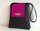 SALE Shoulderbag/tote in Black and Fuchsia