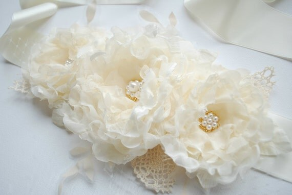Three romantic roses-Weddings Bridal Accessories Sashes Belts- Light butter cream,ivory flowers-Satin ribbon sash- Burlap lace