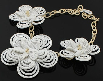 Art Deco 1940's Plastic Floral Necklace