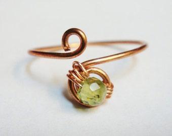 Peridot Knuckle Ring  - Midi Ring - Copper Peridot Ring - Copper Jewelry - Peridot Jewelry