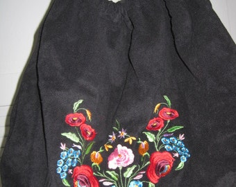 vintage Extra Large Black Fabric Hobo Tote with embroidered flowers