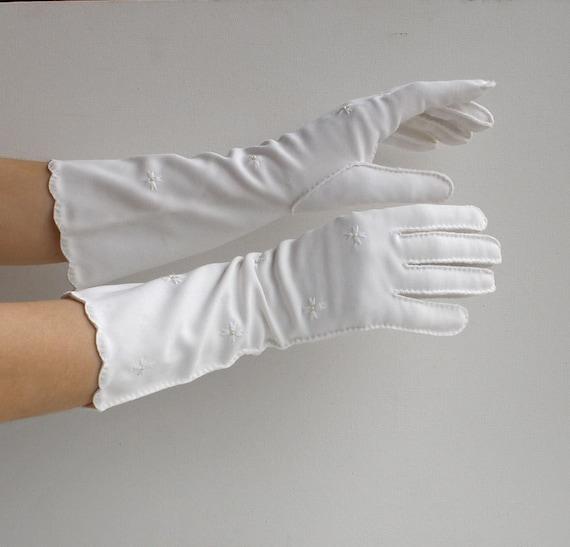 Vintage White Gloves Mid Elbow Length Van Raalte sz 6 1/2 Item No 3858